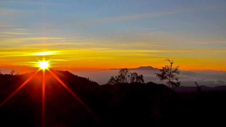 Kawasan kaldera Bromo kembali dibuka untuk wisatawan